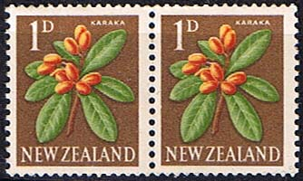 New Zealand 1960 Flowers SG 782b Coil Stamps Pair Fine Mint