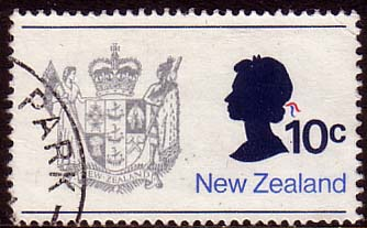 New Zealand 1973 SG1017 Queens Silouet and Coat of Arms Fine Used